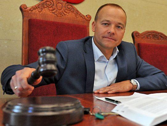 Trybunał Konstytucyjny - podwyższone stawki egzekucyjne nielegalne!
